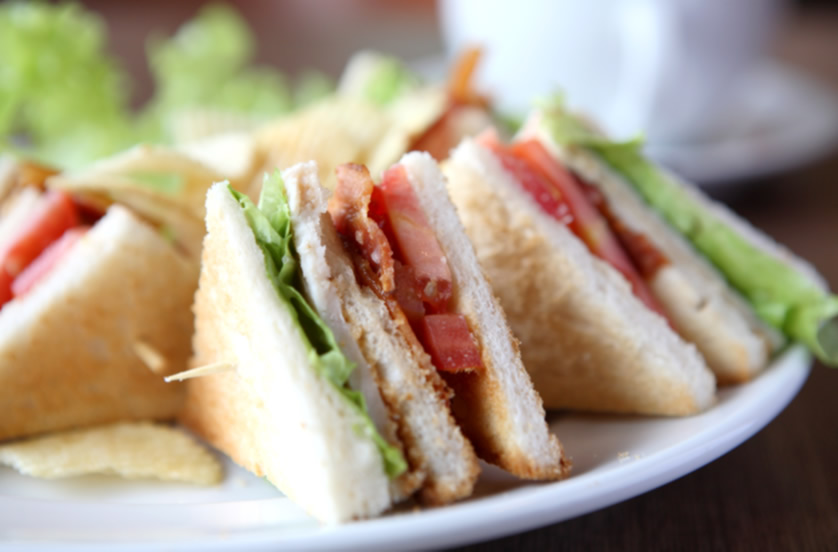 club-sandwich-mutiara-hotel